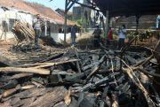 Diduga Korsleting Listrik, Gudang Kosong di Jepara Terbakar