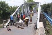 Dua Titik Jembatan Dungus Amblas Dilewati Truk Over Tonase