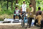 Joke Jokowi Berhadiah Sepeda