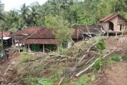 Trauma Bencana, Warga Pilih Mengungsi Saat Hujan Deras