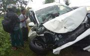 Tabrak Truk, Dua Penumpang Mobil di Bangkalan Meninggal di TKP