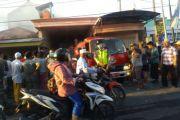 Diduga Gegara Puntung Rokok, Toko Bangunan di Sampang Terbakar