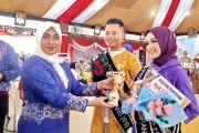 Riadi dan Ratu Jadi Putra Putri Batik 2019