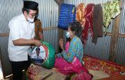 Ra Latif Sapa Warga, Bagikan Sembako dan Bedah Rumah
