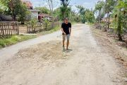 Melihat Kondisi Jalan Desa Gugul, Kecamatan Tlanakan, Pamekasan
