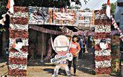 Gapura HUT Ke-74 Kemerdekaan RI Berbahan Batok yang Ramah Lingkungan
