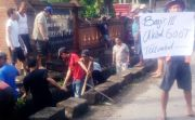 Lima Tahun Tak Disentuh Perbaikan, Warga Protes