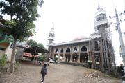 Menara Masjid Agung Miring