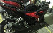 Tumpangi Honda CBR, Jambret Sambar Handphone Polwan