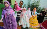 Robiyanto, Bisnis Barbie Custom Berawal dari Koleksi Boneka Istri