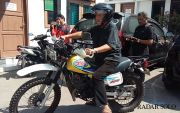 Jalani Pemeriksaan Perdana, Mantan Bupati Sragen Tampil Nyentrik