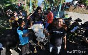Tutup Perayaan Lebaran, Warga Boyolali Arak Sapi Keliling Desa