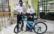 Rona Nisrina Fikri, Pelajar yang Menggagas Sepeda Cerdas