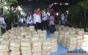 Kurangi Sampah Plastik, Gunakan Besek Bambu