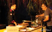 Novotel Manjakan Turis dengan Angkringan Kroncong