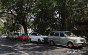 Kendaraan Masih Nekat Parkir di Lokasi Terlarang