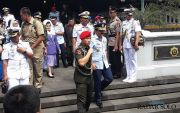 Panglima TNI Ziarah ke Makam Soeharto di Astana Giribangun