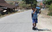 Teguh Nikolas Saputra, Bocah 10 Tahun Jual Makanan-Minuman Keliling