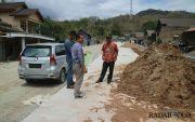 Tiang Listrik Ganggu Pengecoran Jalan Lingkar Kota