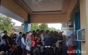 Ribuan Warga Antre Sejak Pagi, Berebut Cetak E-KTP