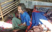Nasib Pria Buta dan Lumpuh yang Hidup Sebatang Kara di Gubug Reyot