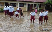 Cuaca Ekstrem, Waspada Banjir Kiriman dari Daerah Hulu Bengawan Solo