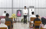 Presiden Jokowi & Keluarga Gelar Tahlilan untuk Almarhumah Sudjiatmi