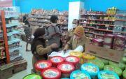 Sidak Pusat Belanja, Tim Temukan Kurma Berjamur & Makanan Kedaluwarsa