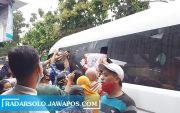 Presiden Jokowi Ajak Gibran Ziarahi Makam Keluarga di Karanganyar