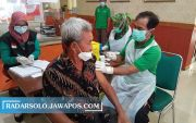 Antarkan 2 Lansia Ikuti Vaksinasi, Pemkab Sragen Siapkan Reward