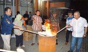 10.477 Surat Suara Rusak Dibakar KPU