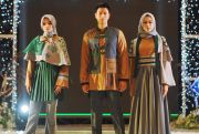 Megahnya Ornamen Alhambra Berpadu dengan Huruf Braile