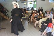 High Fashion Moslem Ala Perempuan Dubai