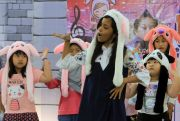 Lomba Dance K-Pop Anak-Anak, Adu Lincah Menari Kenakan Topi Bunny