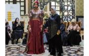 Usung Keelokan Ken Dedes, Riris Ghofir Tampil di New York Fashion Week