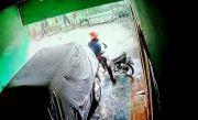 Motor Raib di Kos-Kosan, Pelaku Terekam CCTV