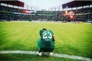 Persebaya Kalah di Kandang, Suporter Bonek Lempari Pemain
