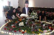 Doa dan Tabur Bunga Demi Sang Guru Enterpreneur Indonesia