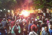 Muatan Keluar Api, Mobil Pikap Hangus Terbakar