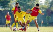 Latih Set Pieces, Bajul Ijo Latihan Corner, Free Kick hingga Penalti