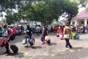 Warga Jatim Pengungsi Gempa di Sulbar Pulang Kampung