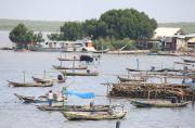 Banyak Nelayan Luar Daerah Tangkap Ikan Pakai Pukat dan Bom