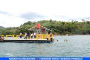 Pantai Brumbun Tawarkan Hamparan Pasir, Ombak Tenang, Rumah Apung