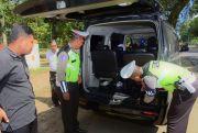 Polisi Periksa Mobil Boks, Antisipasi Pergerakan Massa Aksi 22 Mei