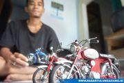 Imam Tohari, Ubah Barang Bekas Jadi Miniatur Sepeda Motor