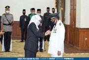 Gubernur Jatim Lantik Santoso Menjadi Wali Kota Blitar