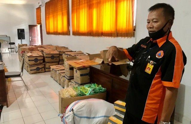 Aparat Desa dan Kelurahan di Buleleng Digelontor APD Lengkap