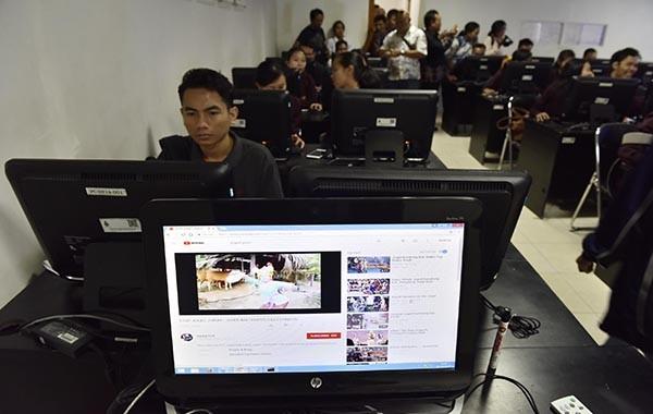 4.500 Joged Porno Bertebaran di YouTube, Ini Protes Mahasiswa Bali...