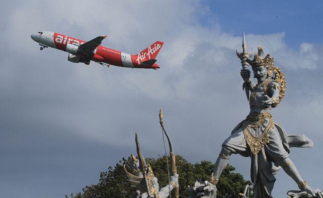 Harga Tiket Pesawat Turun Badung Optimistis Kunjungan Turis Naik