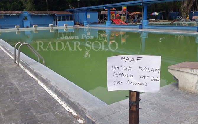 pengunjung komplain air kolam renang tirtomoyo manahan keruh rh radarsolo jawapos com